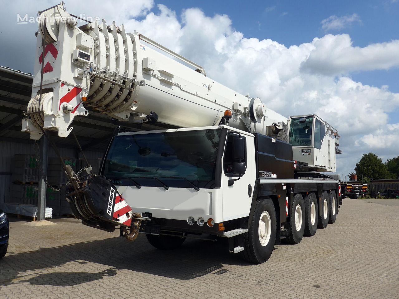 شاحنة رافعة LIEBHERR LTM 1130-5.1