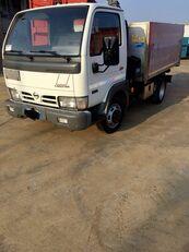 شاحنة قلابة NISSAN CABSTAR 45.13 Ribaltabile + Gru