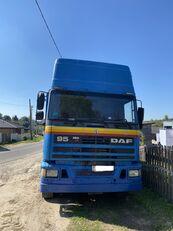 شاحنة مسطحة DAF 95